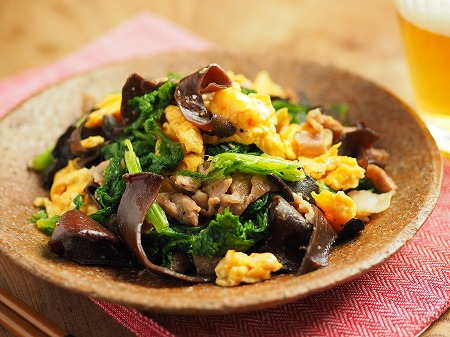 わさび菜ときくらげの卵炒め025