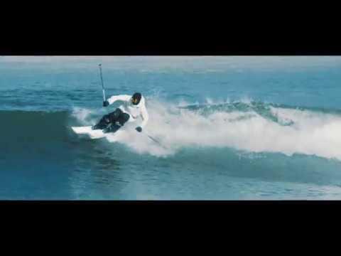 スキーで滑る01
