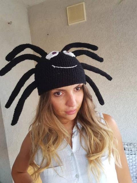 クモのニット帽_01