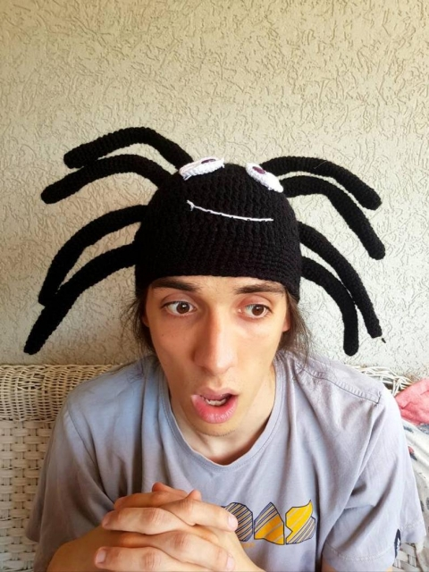 クモのニット帽_04