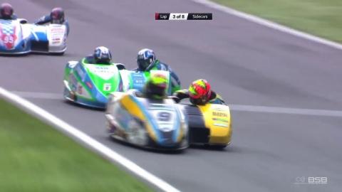 サイドカーのレース01