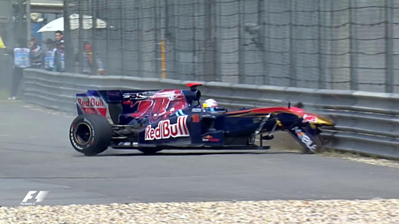 F1のレース中に!突如タイヤが吹き飛ぶ!!