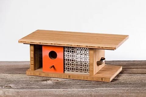 豪邸のような巣箱_01
