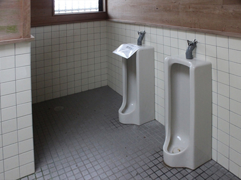 天狗高原キャンプ場トイレ02