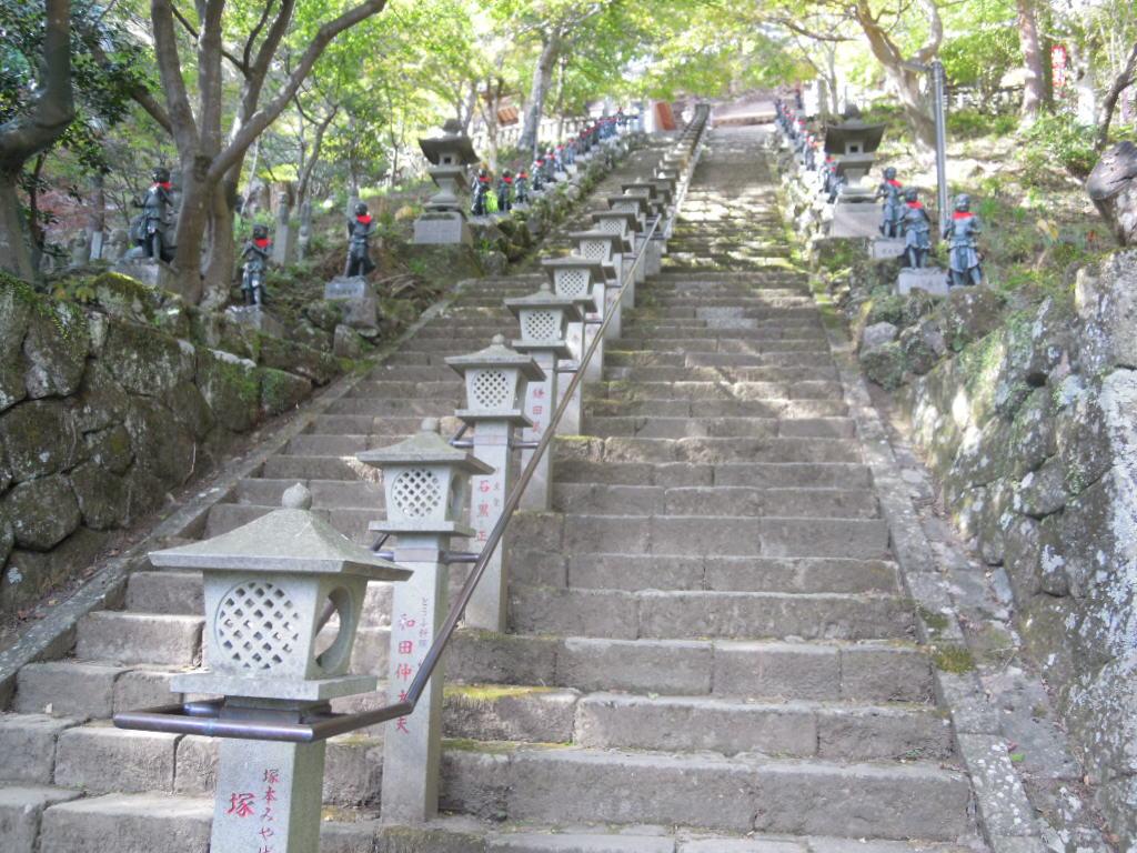 大山寺のもみじはまだ191108