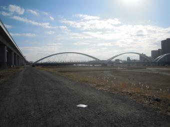 歩み橋を渡って200102