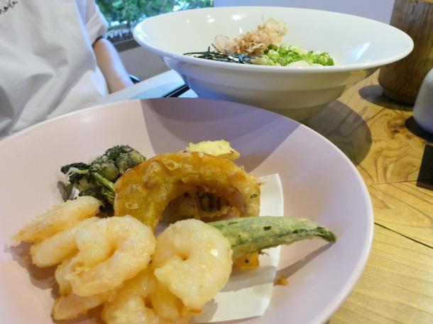 えびと野菜の天ぷらうどん