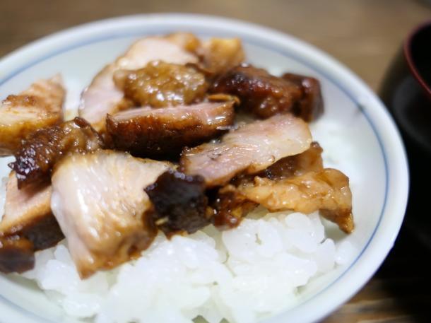 味噌角煮丼