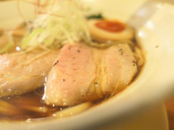 魚元素淡麗醤油ラーメン