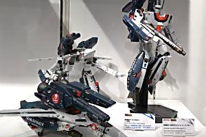 DX超合金 劇場版VF-1S バルキリー (一条輝機) VF-1S Valkirie(Hikaru Ichijyo Custom)、劇場版VF-1対応ストライクスーパーパーツセット StrikeSuper Parts Set For Movie Edition VF-1t
