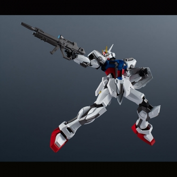 GUNDAM UNIVERSE GAT-X105 Strike Gundam (1)