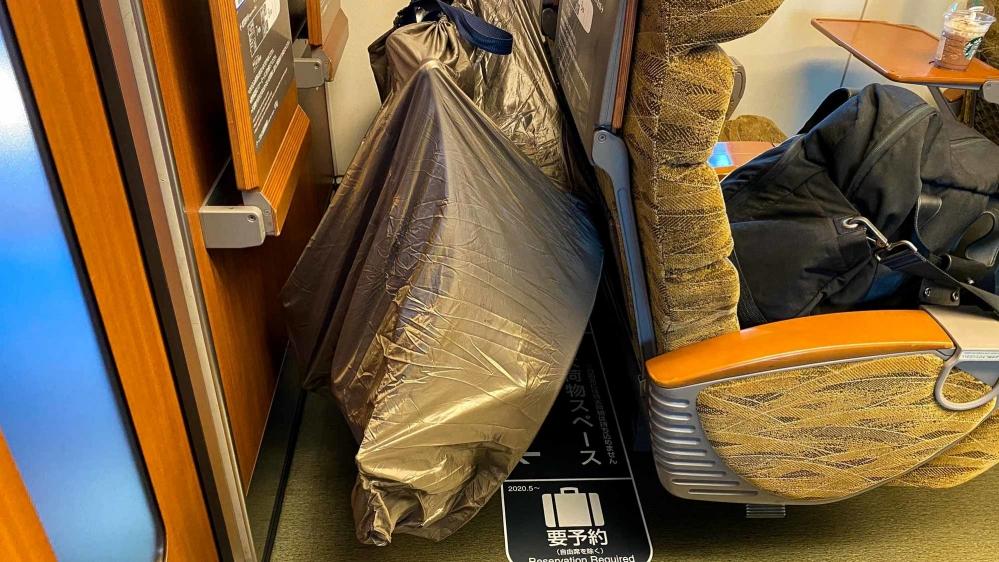 特大荷物スペースつき座席-6