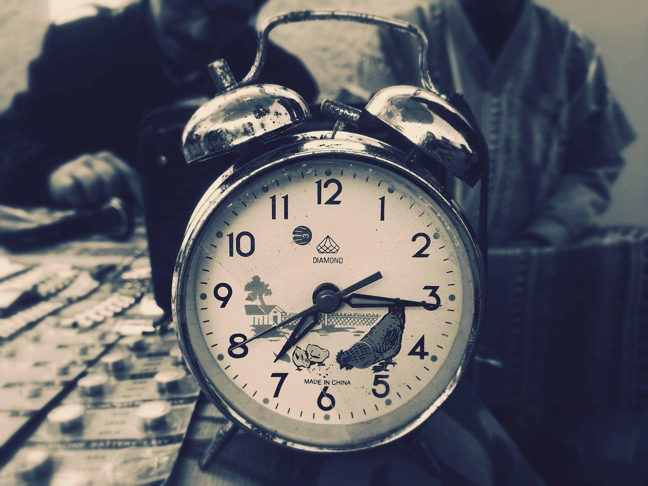clock-3112245_1280.jpg