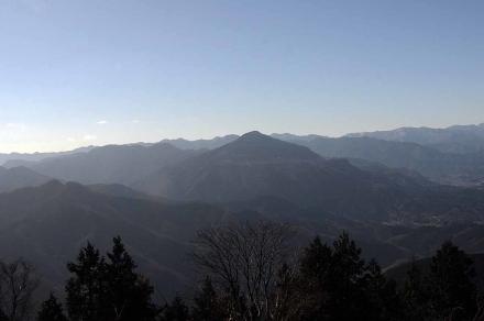 丸山頂上から武甲山