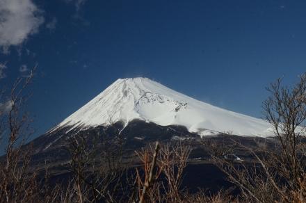越前岳平坦地から富士山3