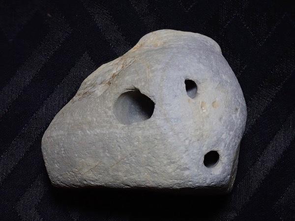 貫通孔の石笛④