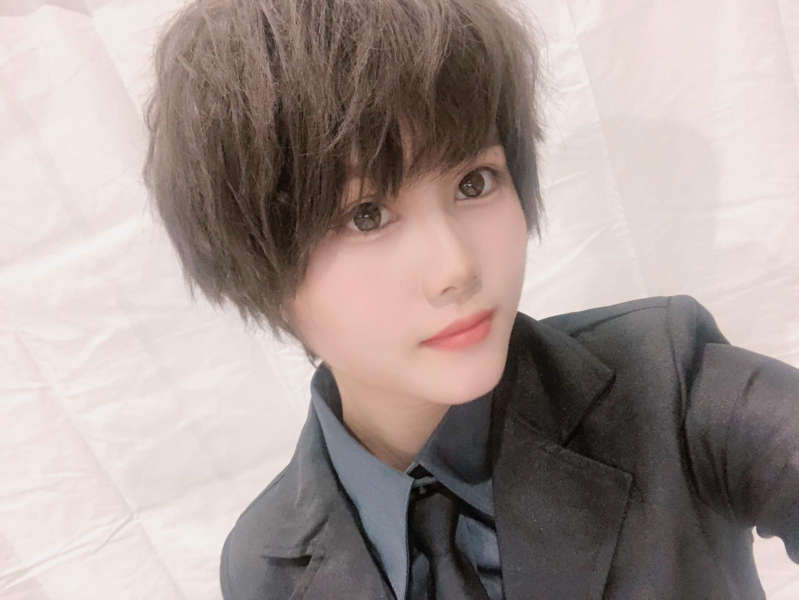 伊藤理々杏 スーツ
