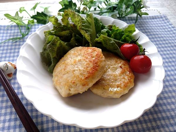 鶏ひき肉と厚揚げのハンバーグ
