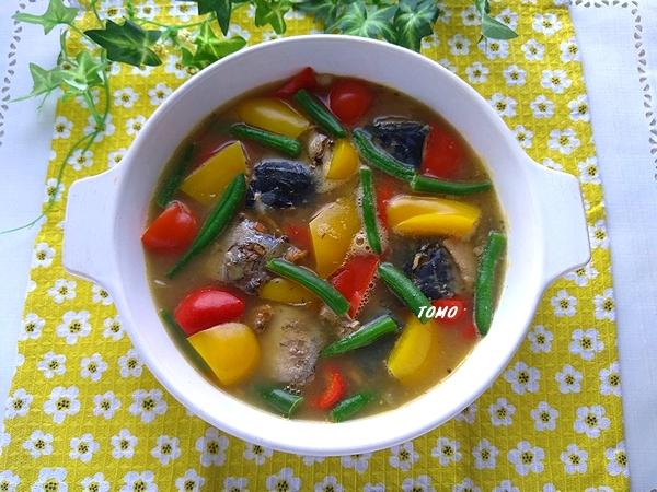 サバ水煮缶とアサリにパスタソースで具沢山アクアパッツァ