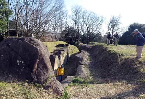 200312塚穴山古墳