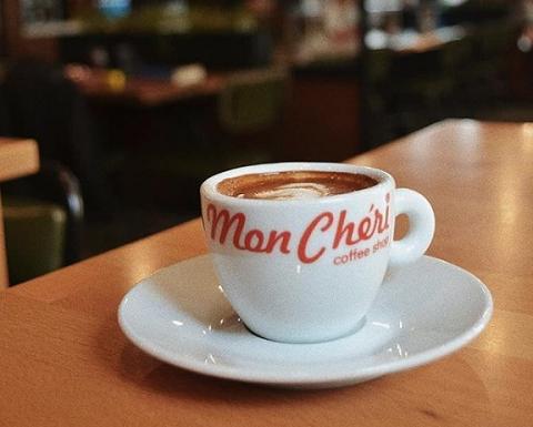 アルバニアのティラナ発祥のコーヒーショップ Mon Cheri 2