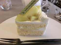 マスクメロンのショートケーキ アンリ・シャルパンティエ記事