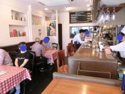 店内の様子 元町洋食屋記事