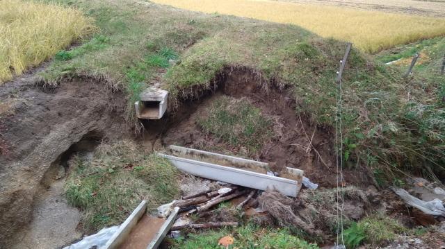 排水路損壊1104
