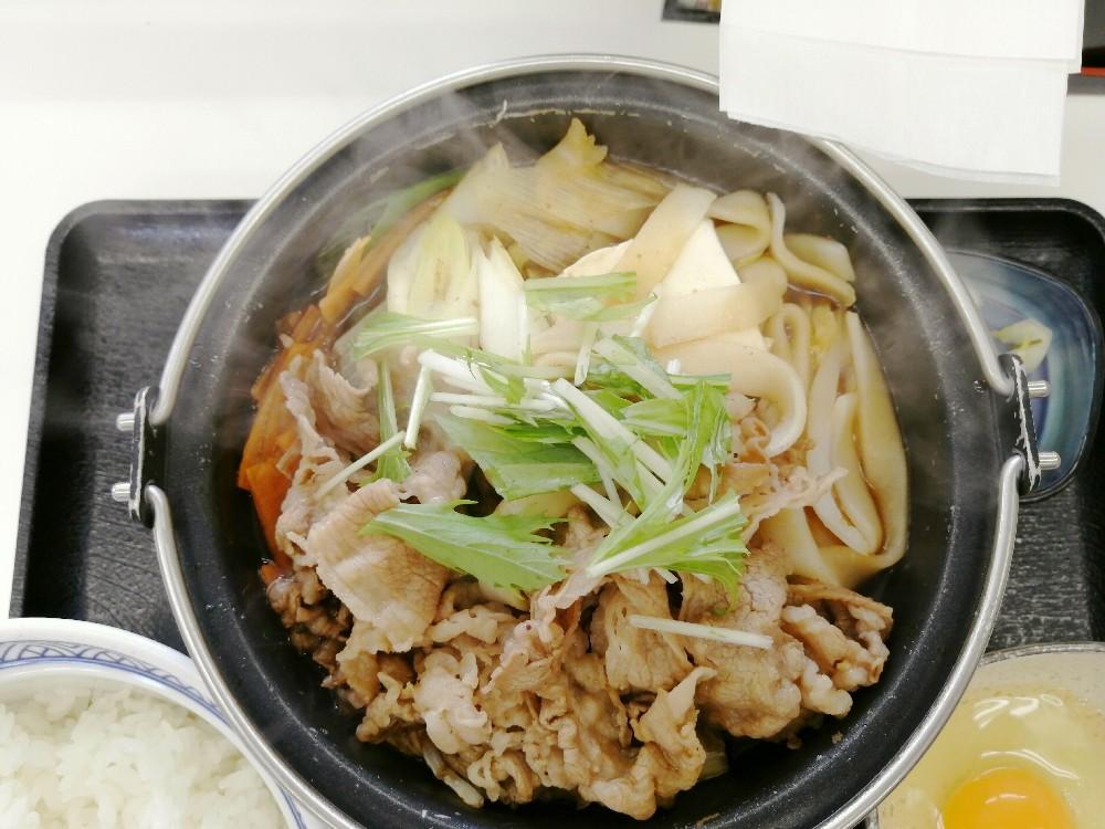 くつくつと煮たった牛すき鍋膳