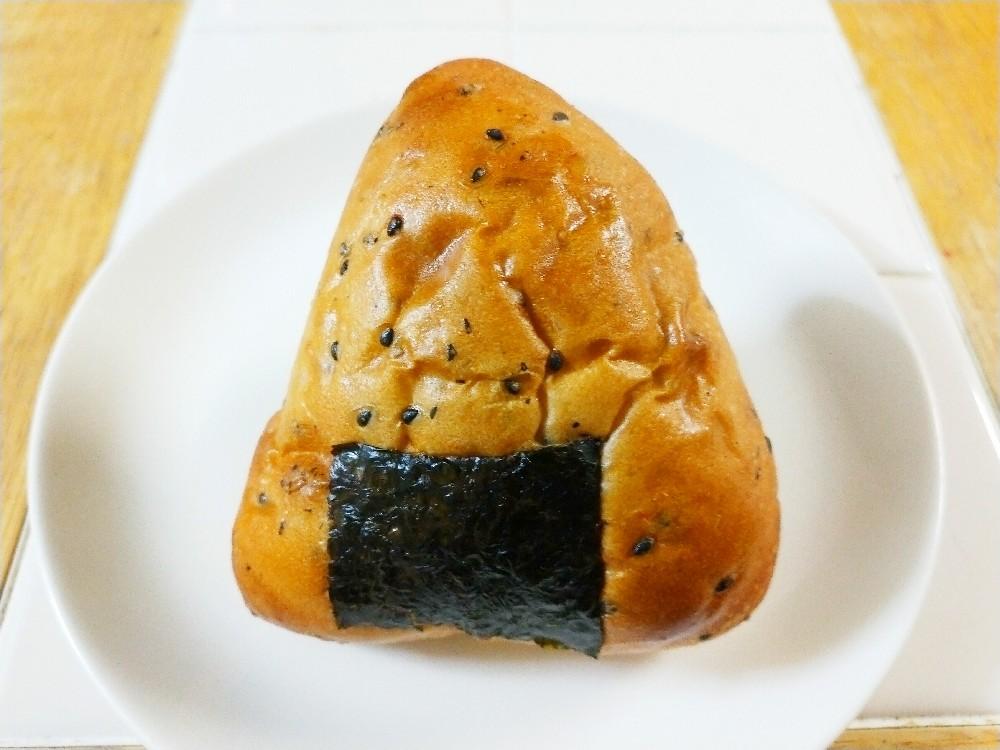 Pan deシャンボールのおにぎりパン