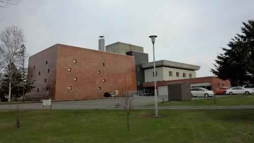 道立図書館 西側面