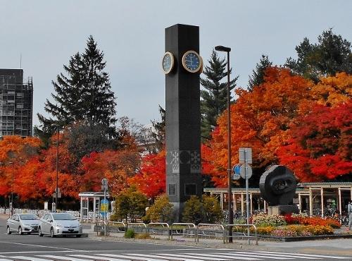 真駒内駅前 札幌オリンピック記念時計塔