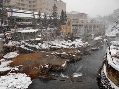 定山渓温泉 月見橋から下流を望む
