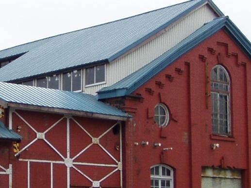 朴澤家寄贈写真上棟式に写る建物の2008年〈部分)