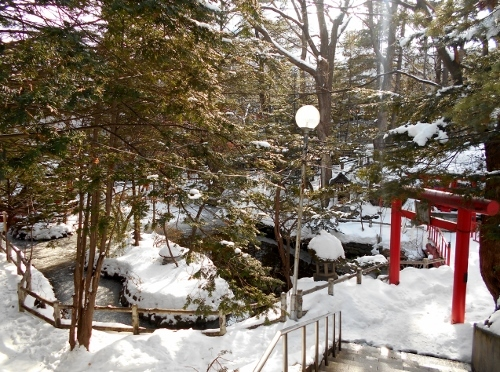 白石神社 湧泉
