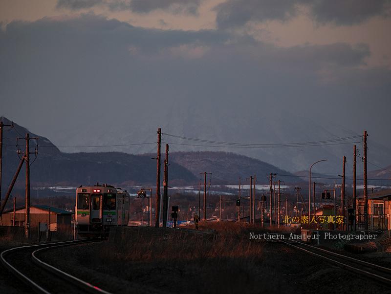 大寒の西日と各駅停車AG1I2359