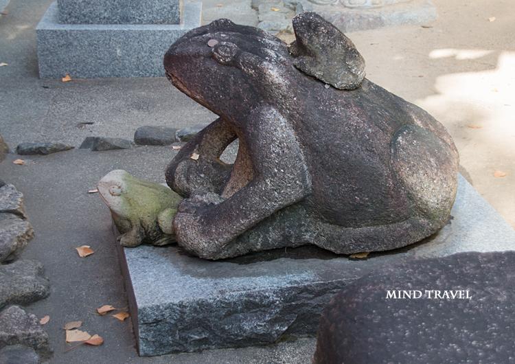 石切神社 蛙の像