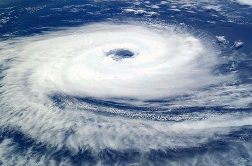 cyclone-62957_960_720a.jpg