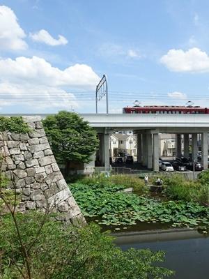 淀城と京阪特急2006