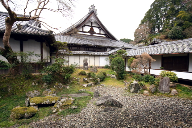 願行寺庭園・中心部景観