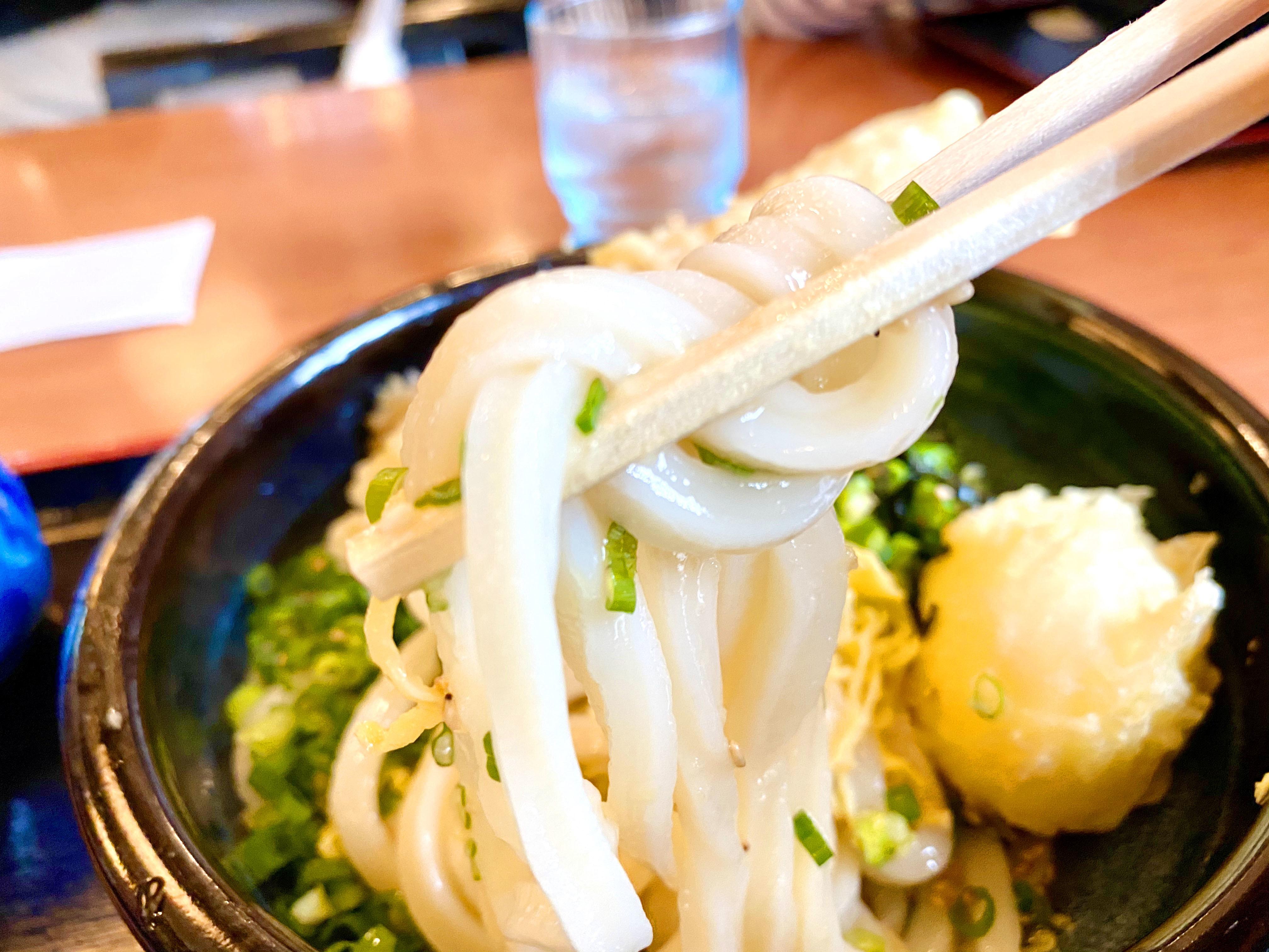 ぶっかけ天ぷらうどん(冷) 800円(麺リフト)