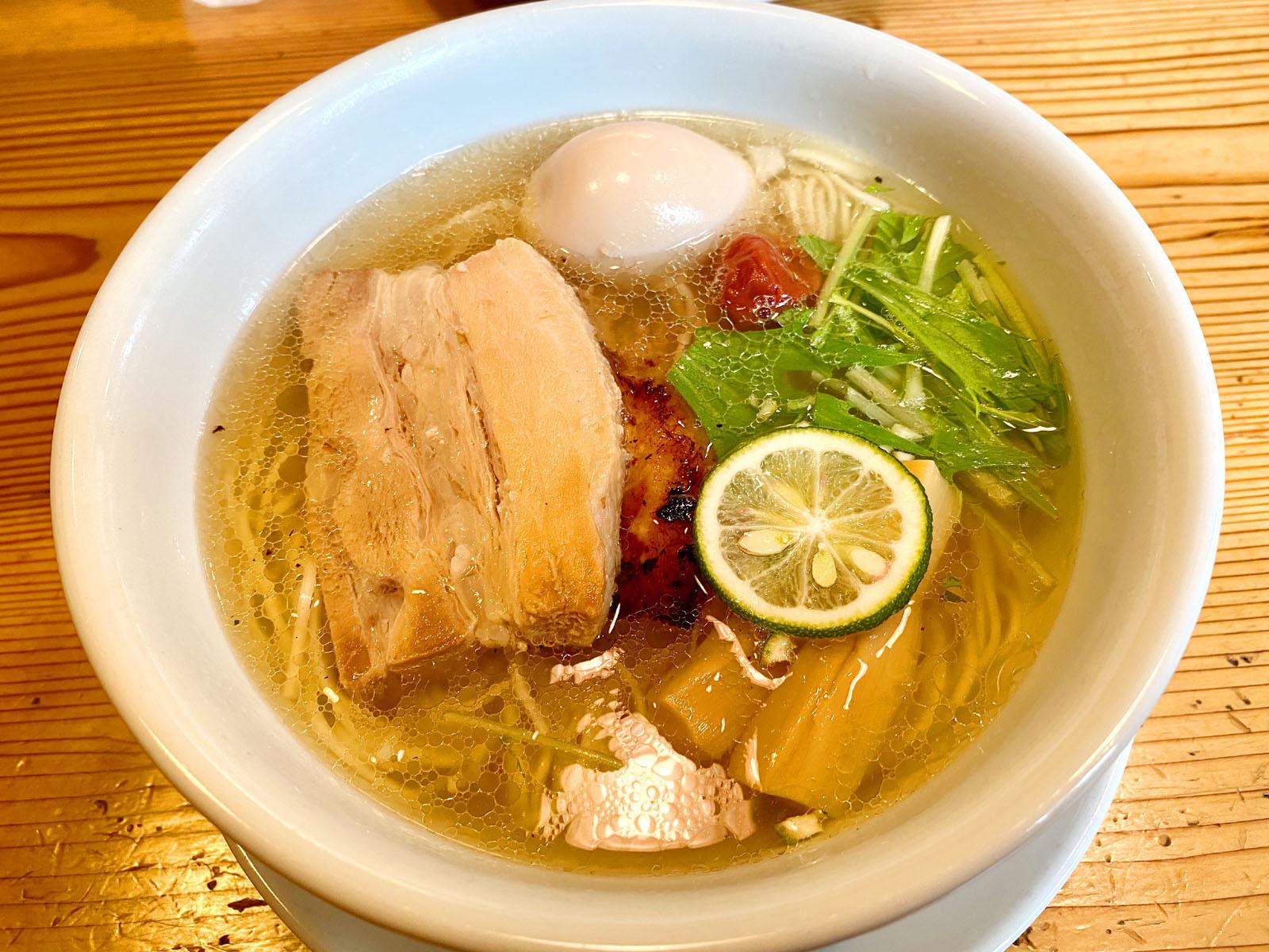 塩味玉らー麺 790円(税抜)