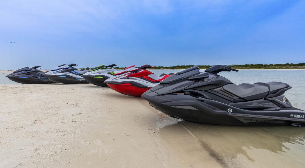 yamaha-waverunners-2020-fx-limited-svho-docked-on-beach-1024x564.jpg