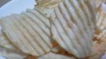 カルビー「ポテトチップス チーズ好きのための濃厚チーズ味」