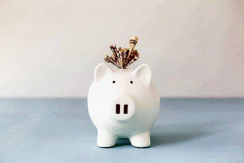 02b 500 piggy bank electrisity