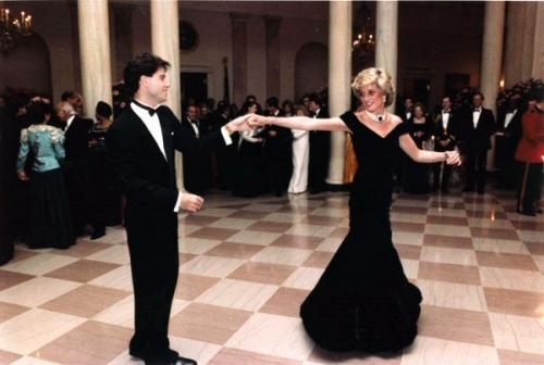 03c 600 John_Travolta_and_Princess_Diana