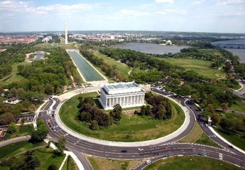 04d 600 Lincoln Memorial