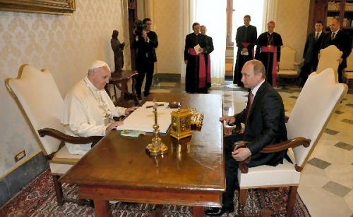 00ab 600 Pope with Putin