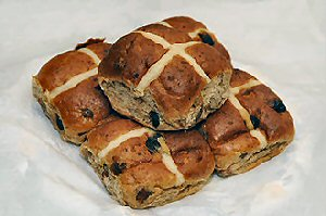 03c 300 hot cross buns