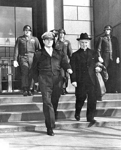 03b 500 Edmund_Walsh_and_MacArthur_Tokyo_1948